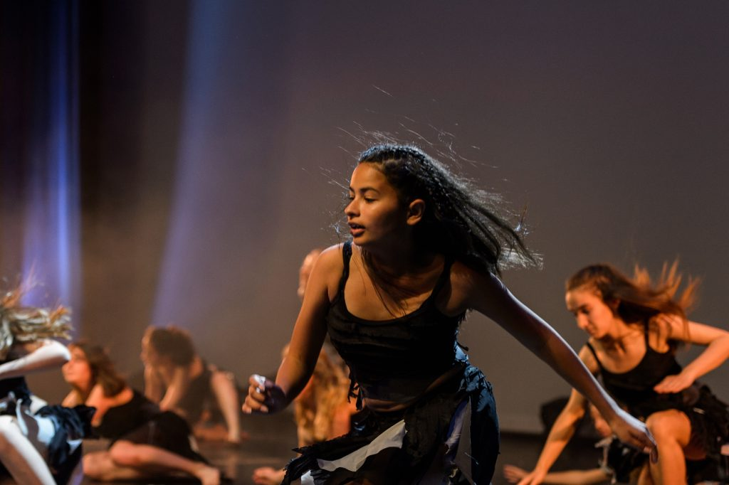 danseuse-theme-africain-choreart-gala-photo-christelle-labrande-photographe-gard-herault-aigues-mortes-grande-motte