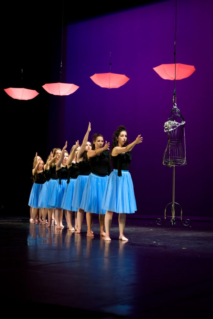 femmes-danse-theatre-bernadette-lafont-nimes-photographe-ecole-danse-tendanse-nimes-eve-lopez-