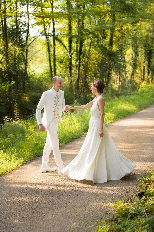 couple-danse-mariage-saint-martin-de-valgalgues-photographe-christelle-labrande-mariage-herault-et-gard