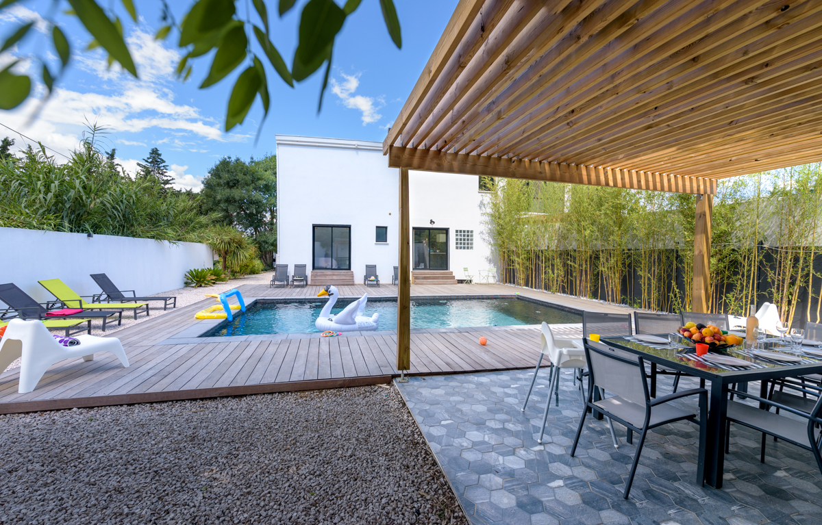 photo-immobilier-gite-piscine-propriete-grabels-villa-holidays