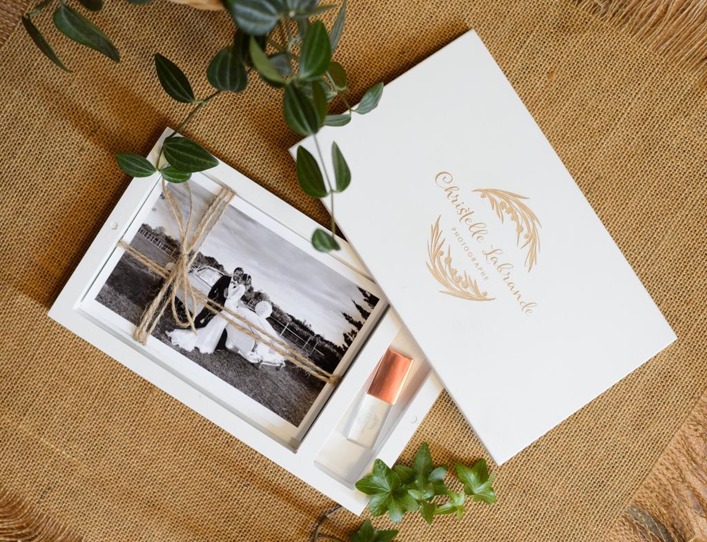livre-mariage-cle-usb-christelle-labrande-photographe-gard-grau-du-roi