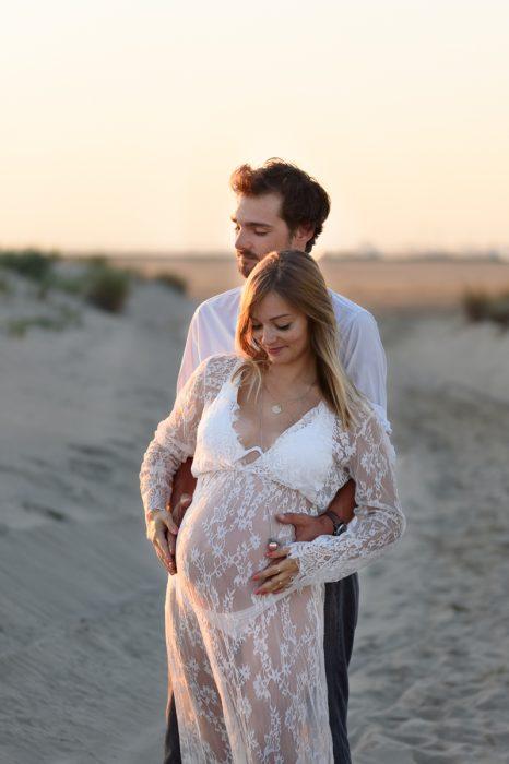 photographe-grossesse-couple-love-espiguette-grau-du-roi-photographe-gard-herault-christelle-labrande